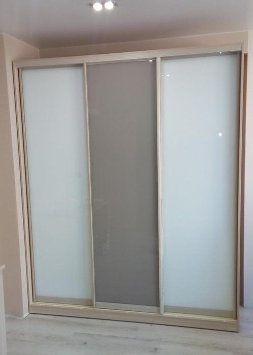 Большой шкаф-купе-Шкаф-купе из стекла с Oracal «Модель 22»-фото1