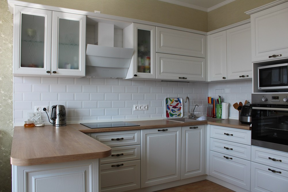 Белый кухонный гарнитур-Кухня МДФ в ПВХ «Модель 102»-фото3