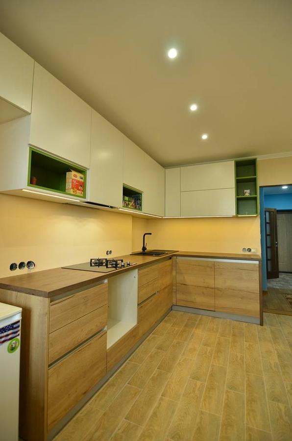 Белый кухонный гарнитур-Кухня из пластика «Модель 369»-фото2